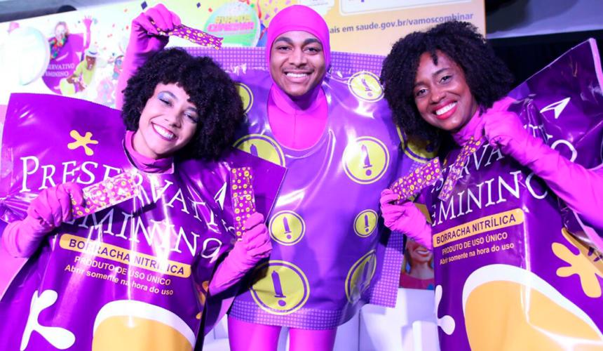 #VamosCombinar incentiva o uso da camisinha no Carnaval