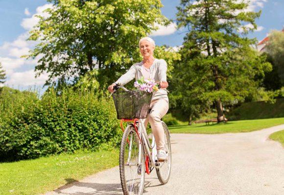Osteoporose leva à perda da massa óssea e atinge especialmente mulheres