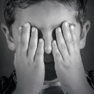 Atenção ao comportamento das crianças: Pode ser Abuso. Disque 100 e denuncie